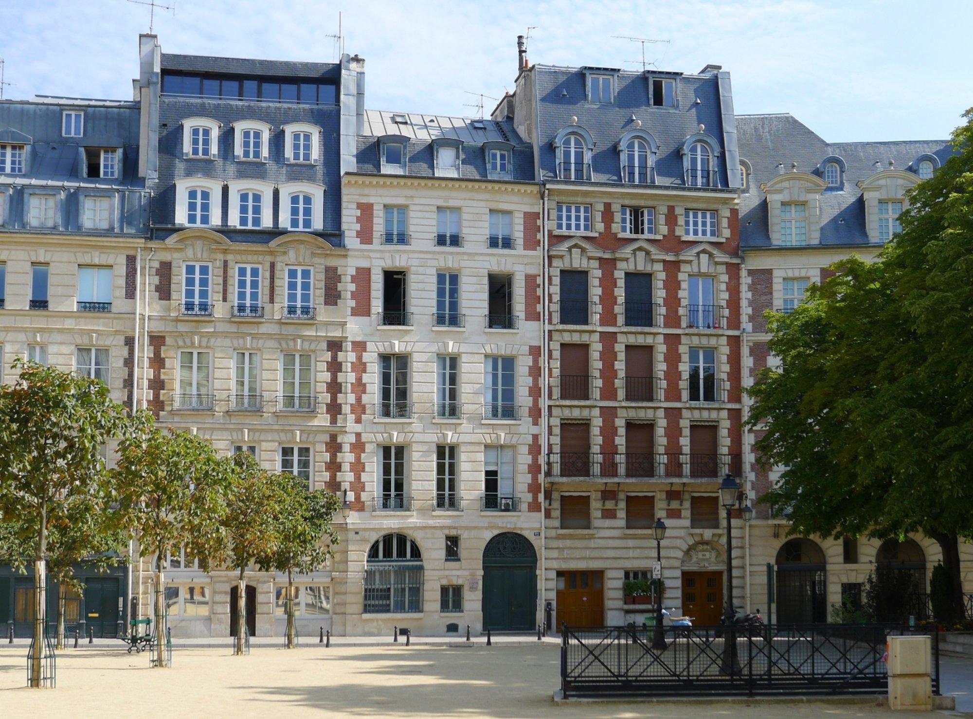 Faut-il être propriétaire ou locataire à Paris ?